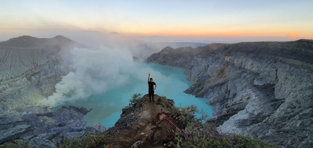 Bromo Ijen Papuma Tumpak Sewu Waterfall Tour 5 Days