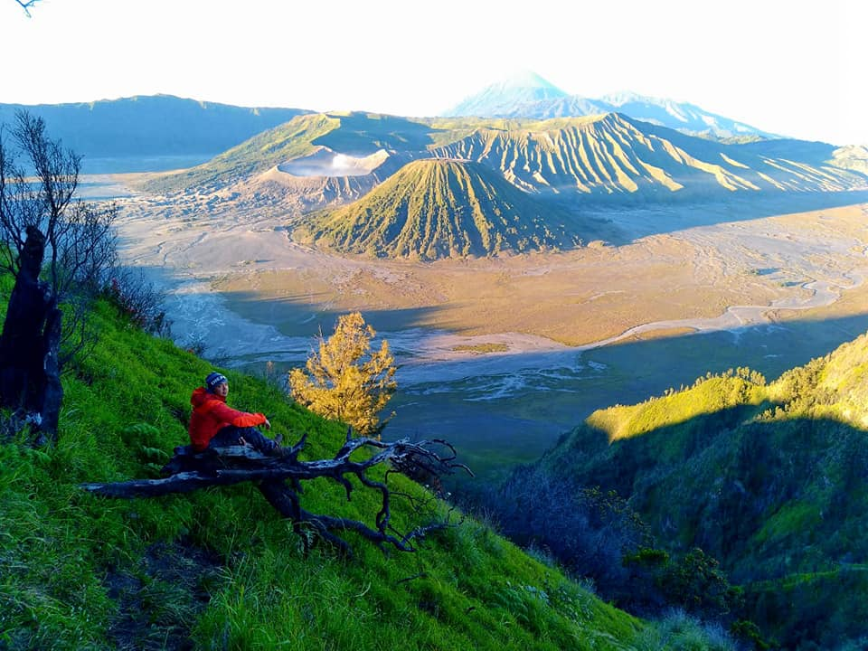 Bromo Ijen Tumpak Sewu and Madakaripura Waterfalls Tour 4 Days